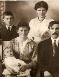 1916 Kull Family
